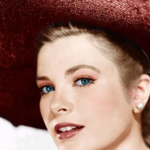 Grace Kelly with red hat.