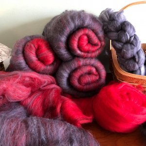 Red and black roving.jpg